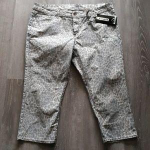 Denim - Jordache Skinny Crop Jean's  size 18 New